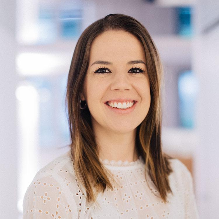 Rike Michels Augenklinik | Alexandra Tomazini, Arztsekretärin