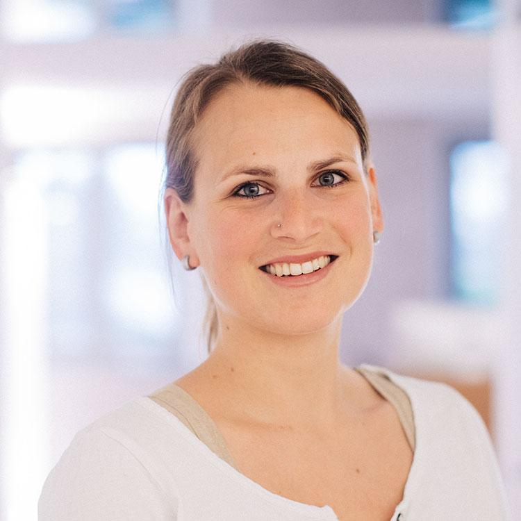 Rike Michels Augenklinik | Claudia Marbach, Arztsekretärin
