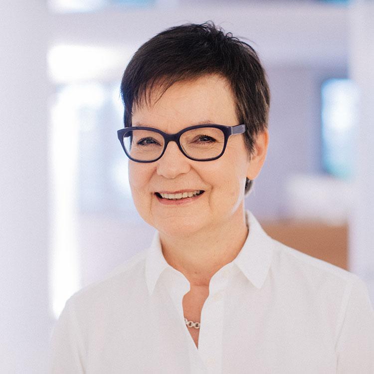 Rike Michels Augenklinik | Renate Pelz, Diplomierte Orthoptistin